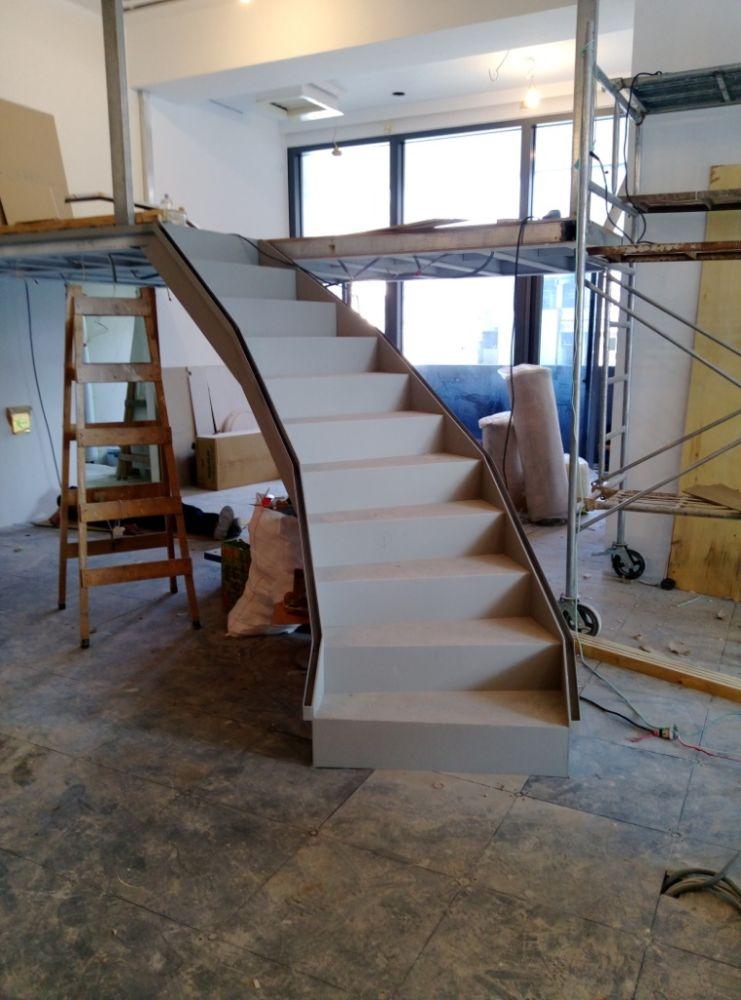 造型旋轉樓梯