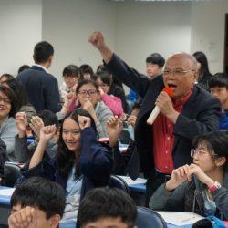 圖01劉毅老師親自帶領國九會考班,現場滿滿人潮!